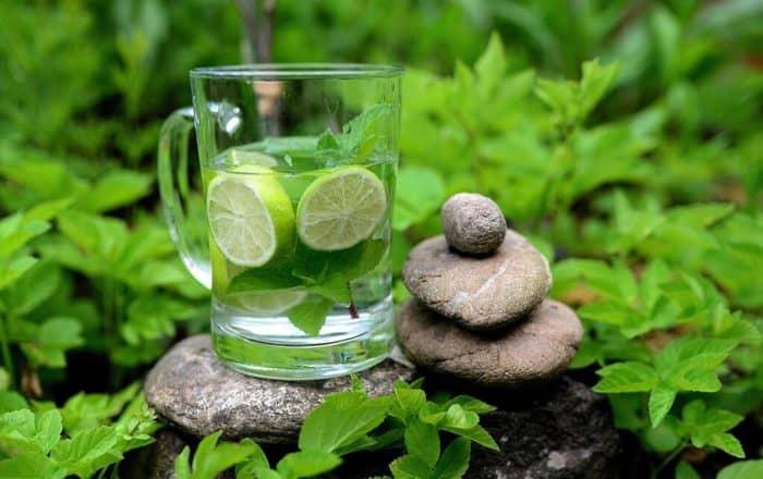 lukewarm water uses in hindi